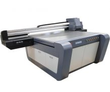 Large Size 1.8m Kt Board Material Ricoh UV Flatbed Printer in Bandung