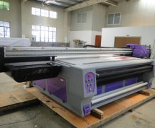 Large UV Flatbed Printing Machine with Konica 1024 Head and Good Printing Effect in Niger